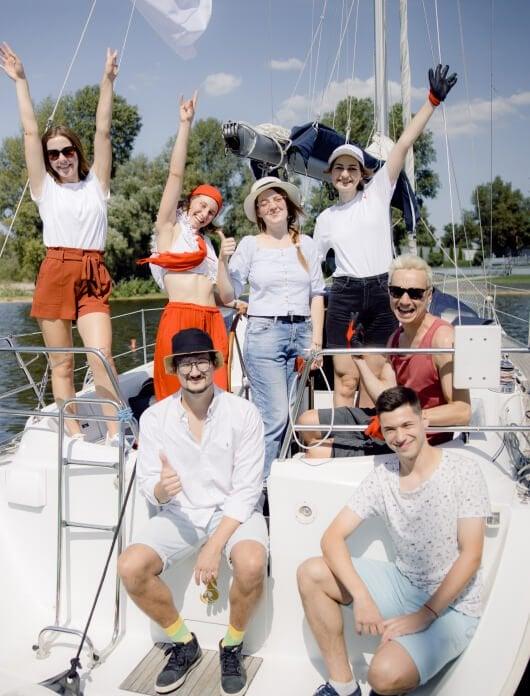 Відпочинок YouScan на яхті
