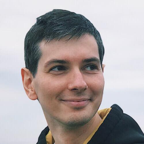Дмитрий Наумовец